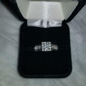10k WG Princess cut Diamond ring size 7